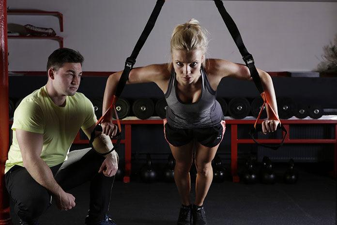 Trening personalny – jak wyglądają zajęcia? Podstawowe zalety i efektywność