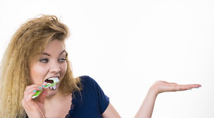 Poprawna higiena jamy ustnej - instrukcja dla dorosłych