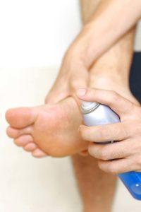 Grzybica stóp – częsta infekcja, którą można skutecznie leczyć