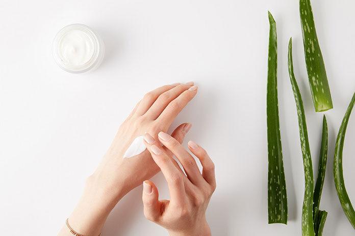 Kosmetyki z naturalnymi składnikami – hit czy kit