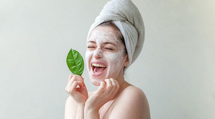 Zadbana skóra twarzy zimą – co powinnaś wiedzieć o zimowej pielęgnacji