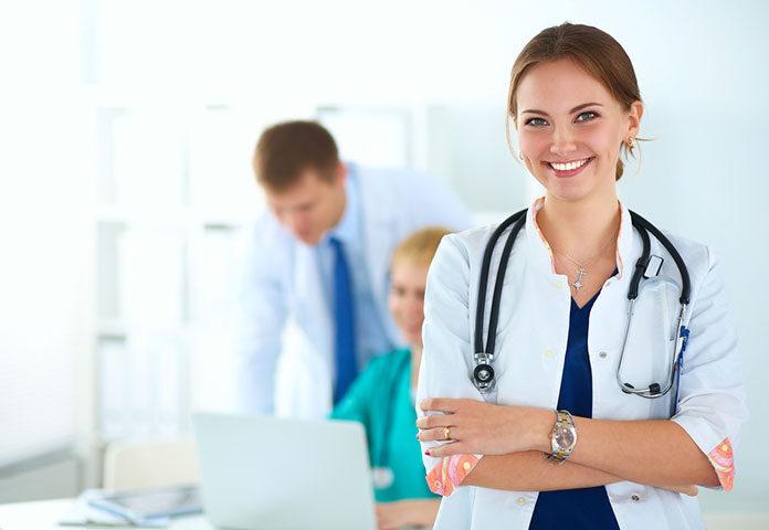 Czym zajmuje się lekarz immunolog? Kiedy należy się do niego wybrać