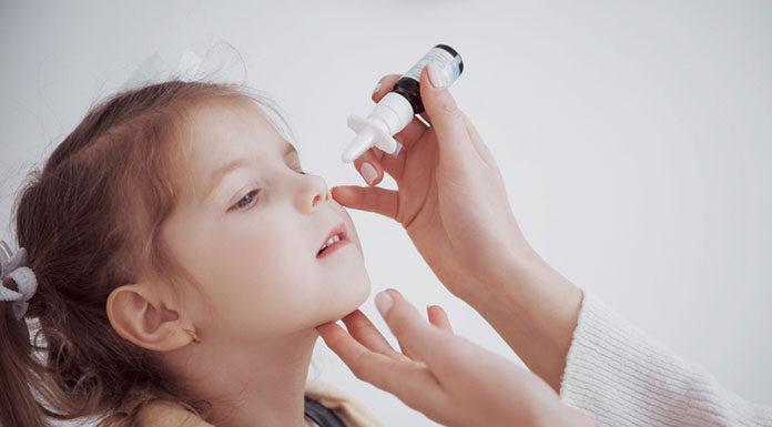 Spray do nosa dla dzieci – skuteczny środek do walki z katarem